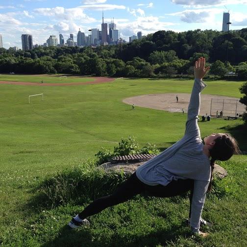 Yoga 12- Twisted lunge