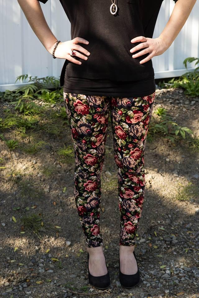Cindy ferland, Dynamite, H&M, Globo Chaussures,  Fay with Love, eBay Canada, Karina Charbonnier, fleur, tendance fleuri, legging, jeans, pantalon ample, lookbook, 3looks, ootd, mode, hiver