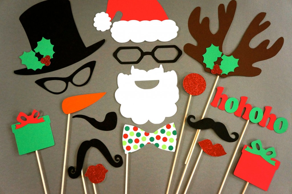 3706_Christmas-Photo-Booth-Props---17-Piece-Set