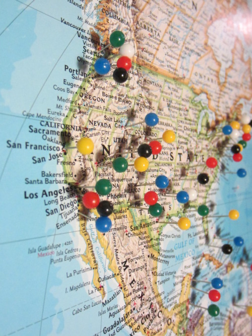 carte du monde à épingler Laisser sa trace sur le monde   Le Cahier