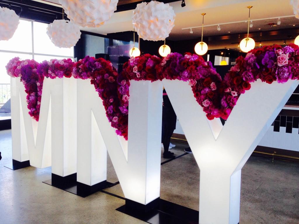 toronto maybelline new york 100 ans anniversaire cosmétiques événement