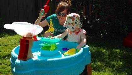 Bébé&cie : L'été, c'est fait pour jouer… dans l'eau
