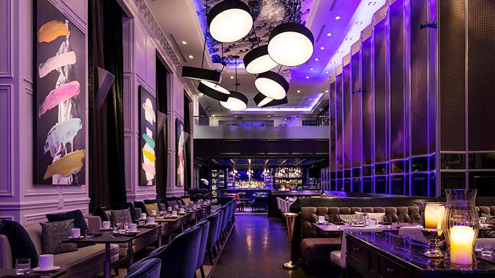 Невероятный ресторан, еда в темноте