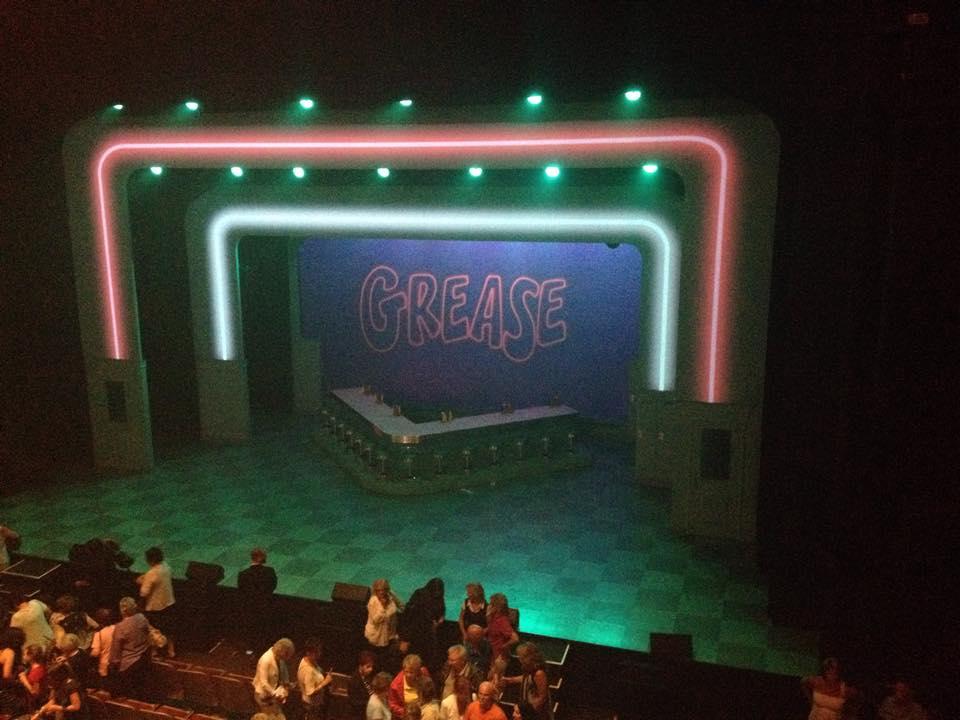 Grease, showbiz, comédie musicale