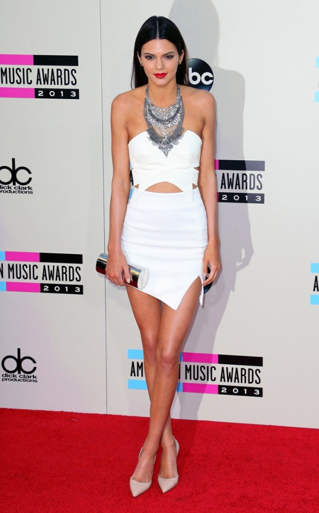 extraordinary kendall jenner outfits red carpet 11