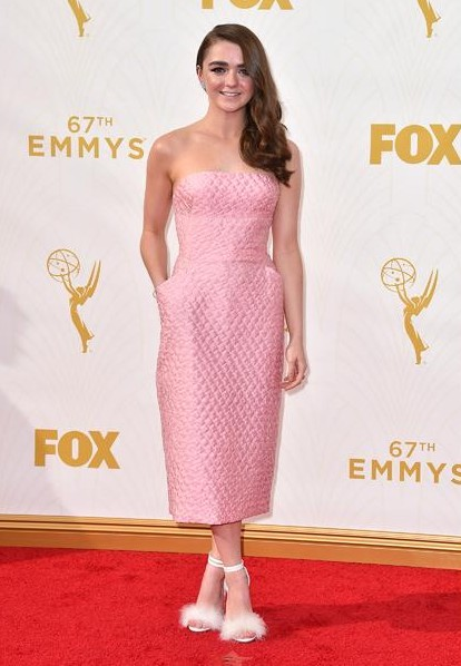 Maisie Williams, emmys 2015, tapis rouge