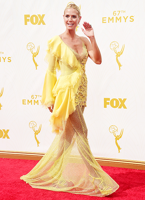 Heidi Klum, robe jaune, tapis rouge, emmys 2015, flop