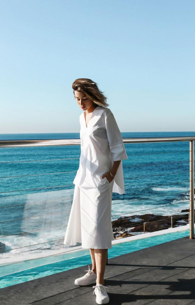 Carmen Hamilton, blanc, eau claire, mer, monochrome, simple, décontracté