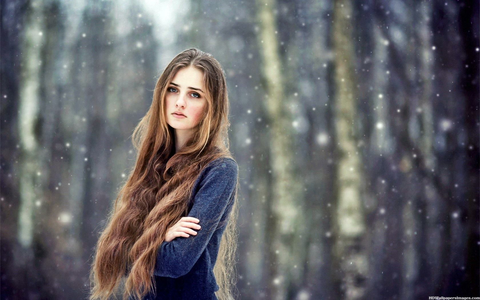 http://lecahier.com/wp-content/uploads/2016/01/Beautiful-Girl-With-Long-Hair-In-Snow-Images.jpg