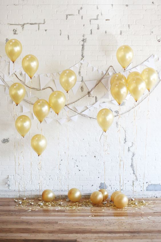 golden balloons, fete, joy, celebrate
