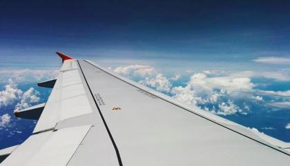 Passer le temps dans un avion