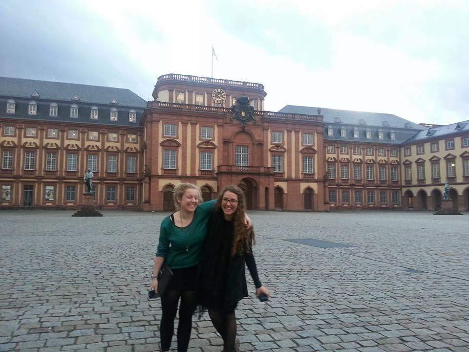 Voyage, Berlin, filles