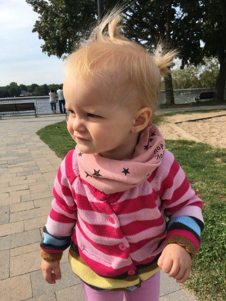 enfant, foulard, parc