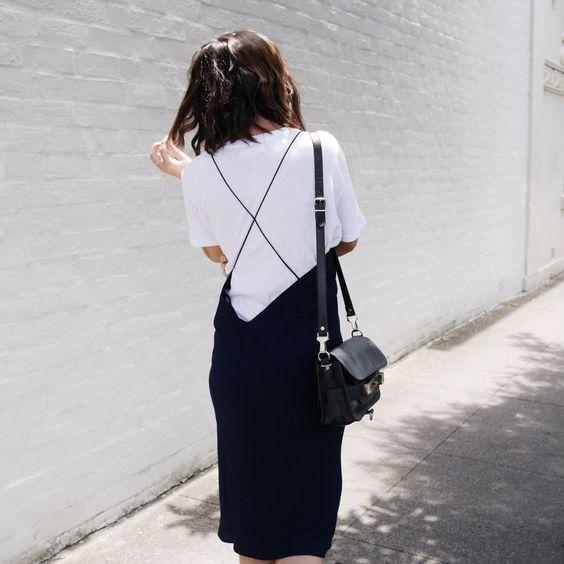 t-shirt blanc robe