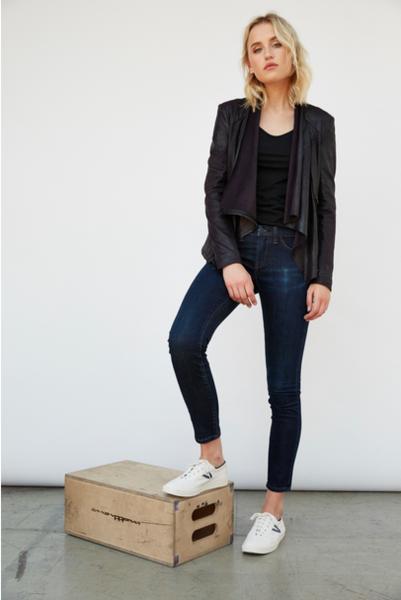 femme, manteau, chaussures