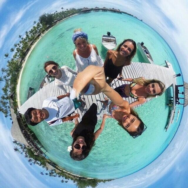 360 picture travel beach friends blogger tahiti