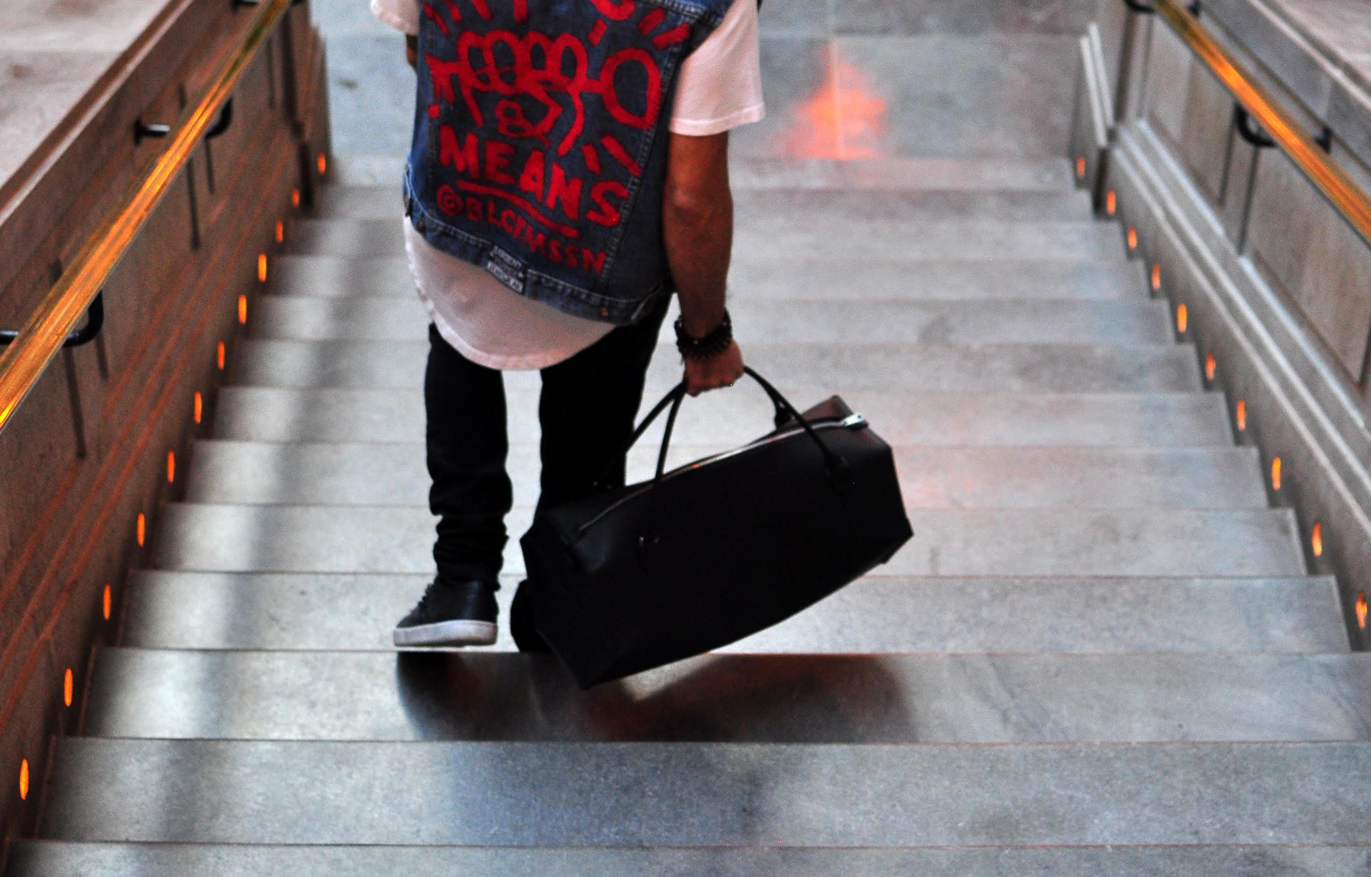 ChezLaJoie, artisans, Montréal, sacs en cuir, créateurs d'ici, handmade, Montreal blogger, article blog Le Cahier, Maude Sénécal, Chez La Joie, sacs faits à la main, sacs et accessoires unisexes et en cuir