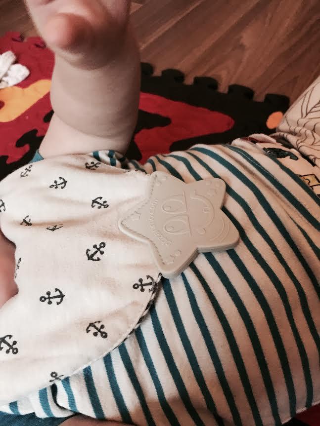 foulard à macher, bébé, maman
