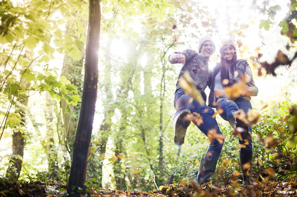 Couple automne rêves heureux