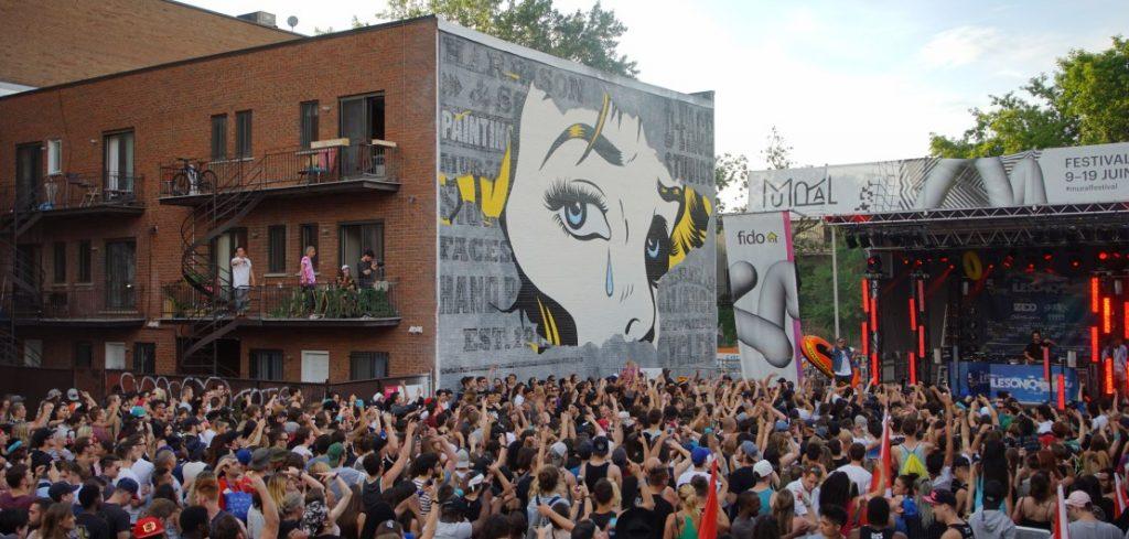 Foule au Festival Murale