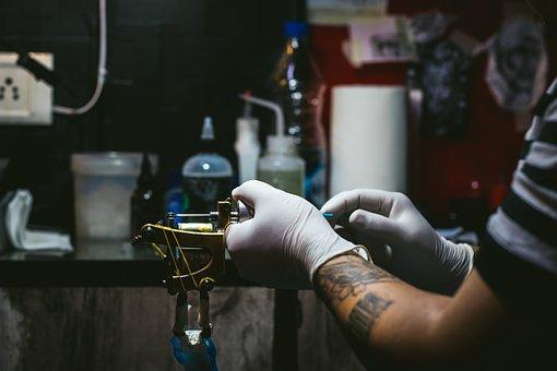 tatouage, bras, décision, changement, nouveauté, risque