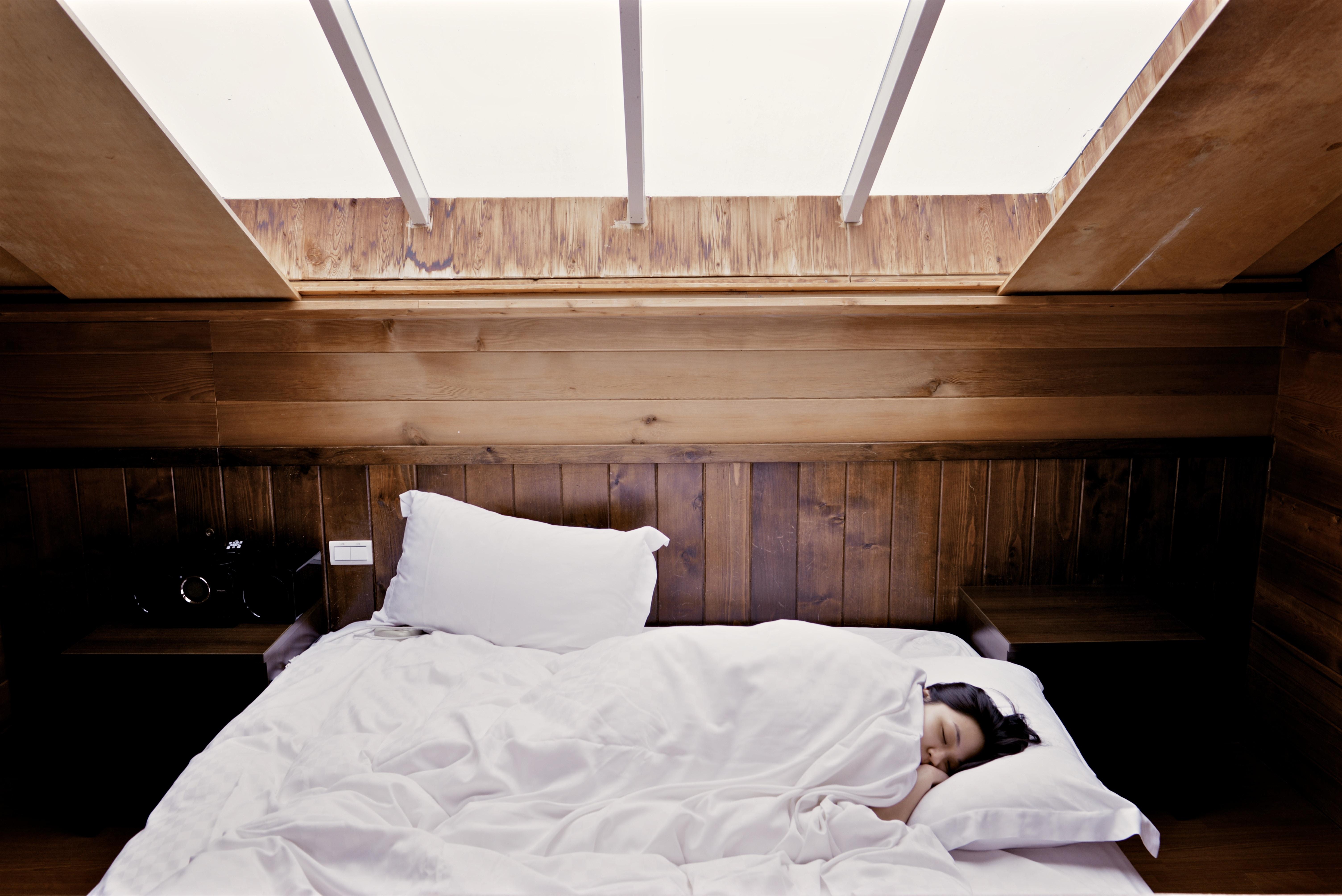 dormir, se coucher tot