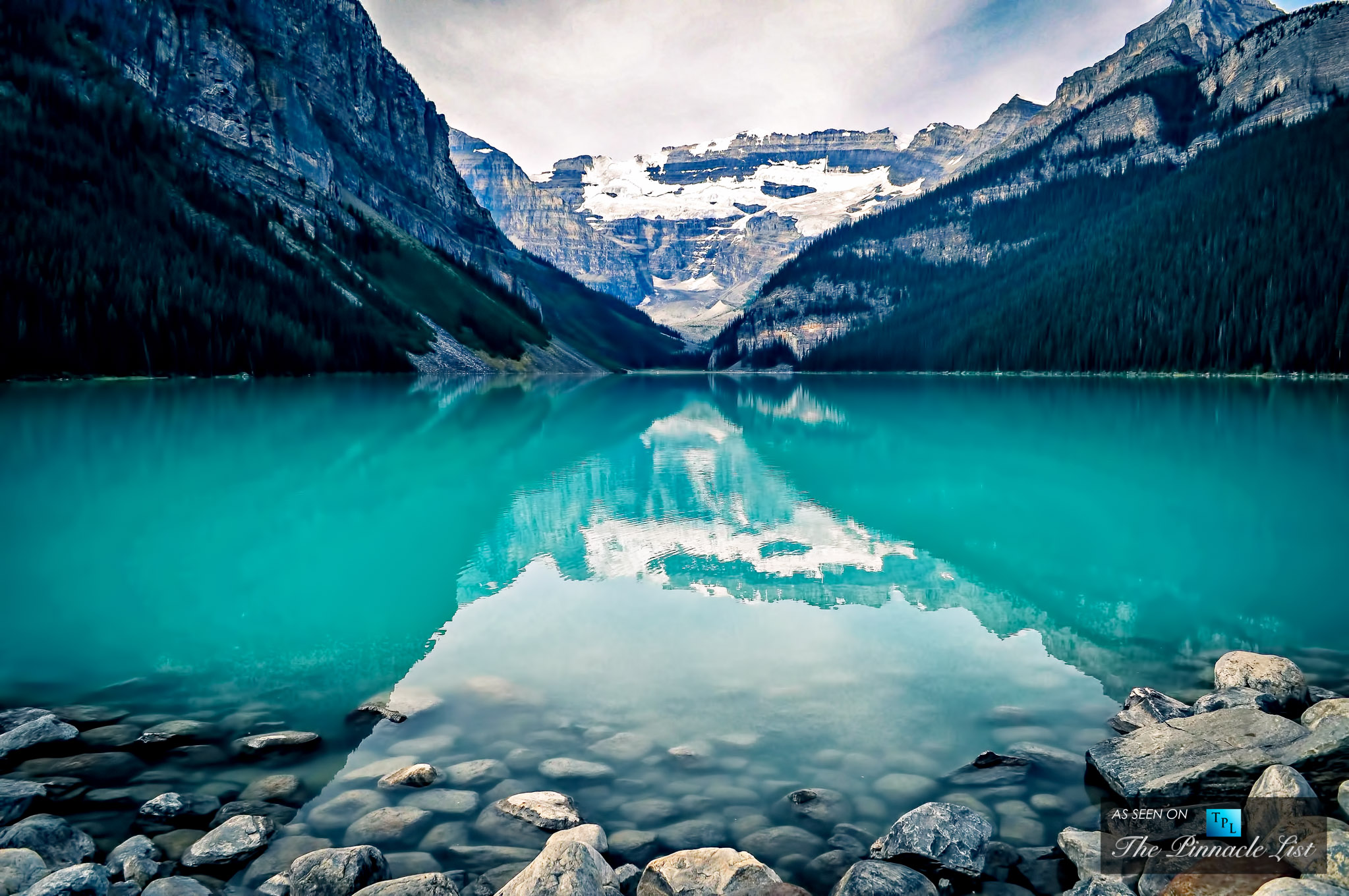 The-Marvelous-Crystal-Blue-Lake-Louise-at-Banff-National ...