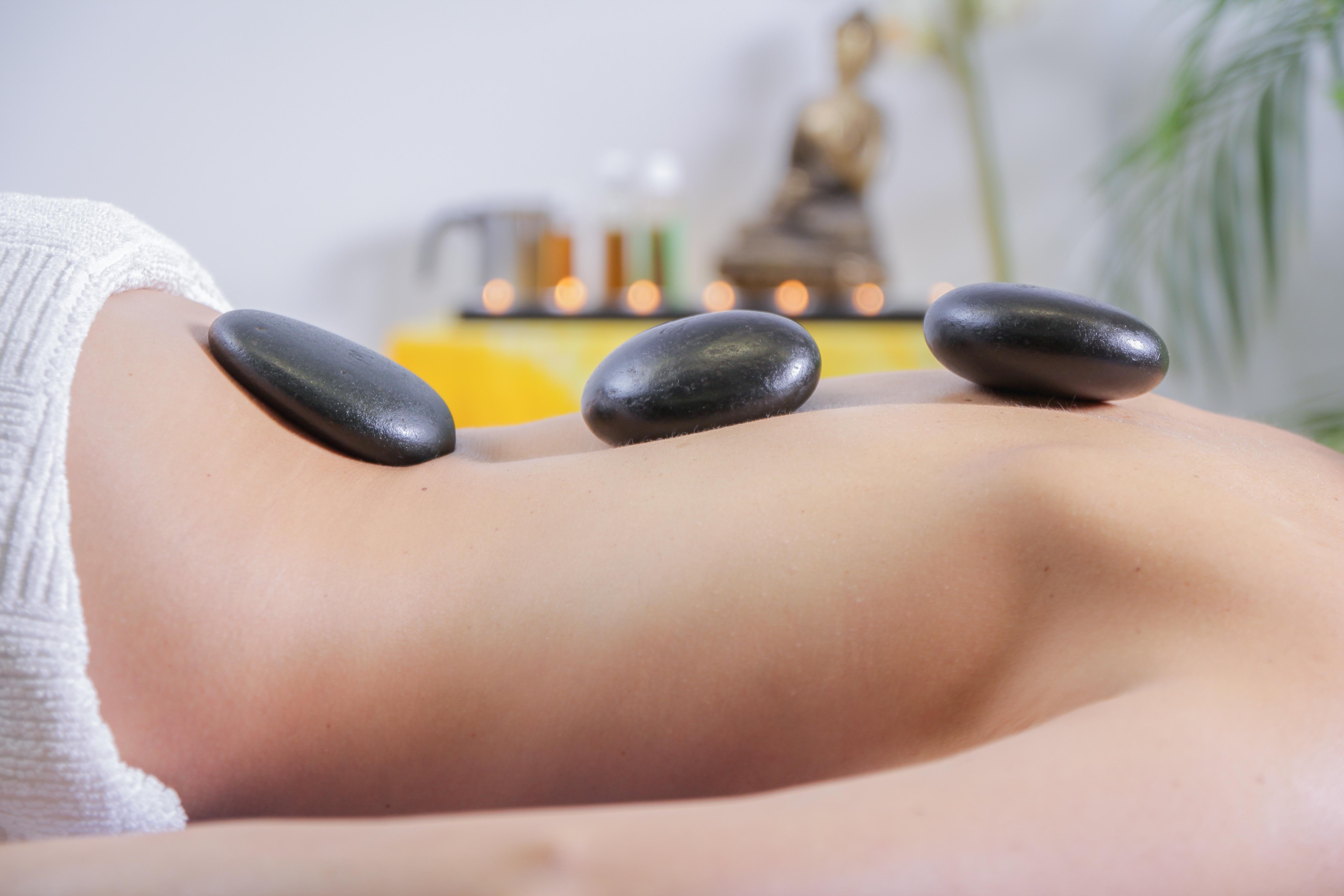 massage pierre chaudes