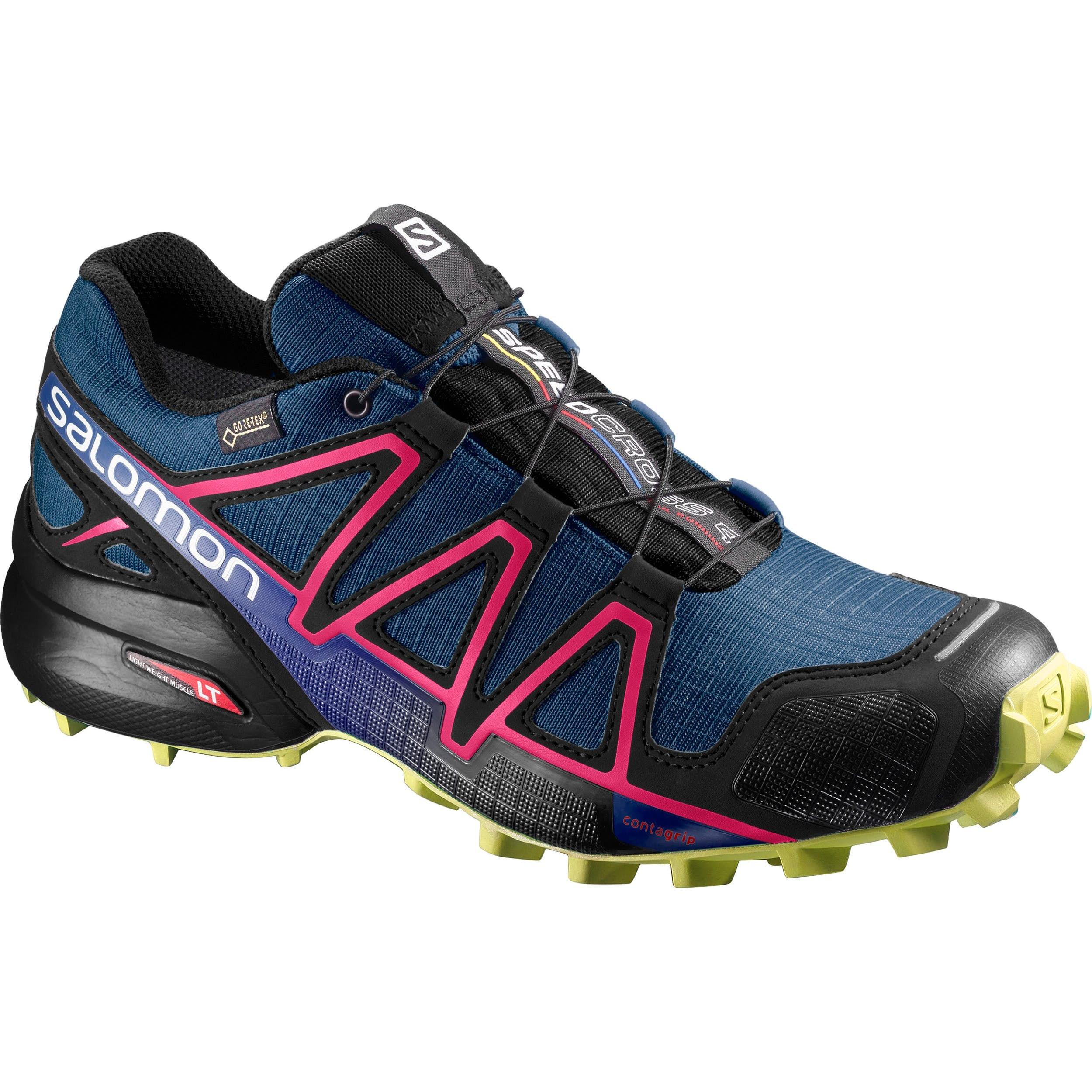 chaussures de course, course sur sentier, imperméable, mec
