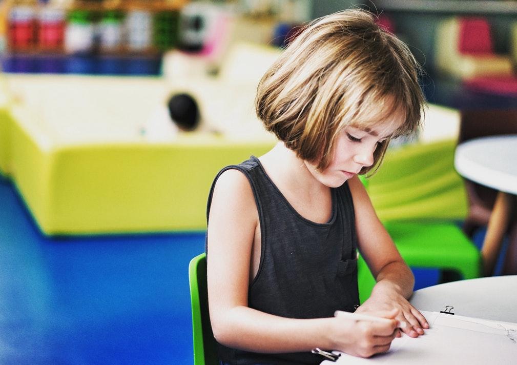 garderie éducatrice enfants soins