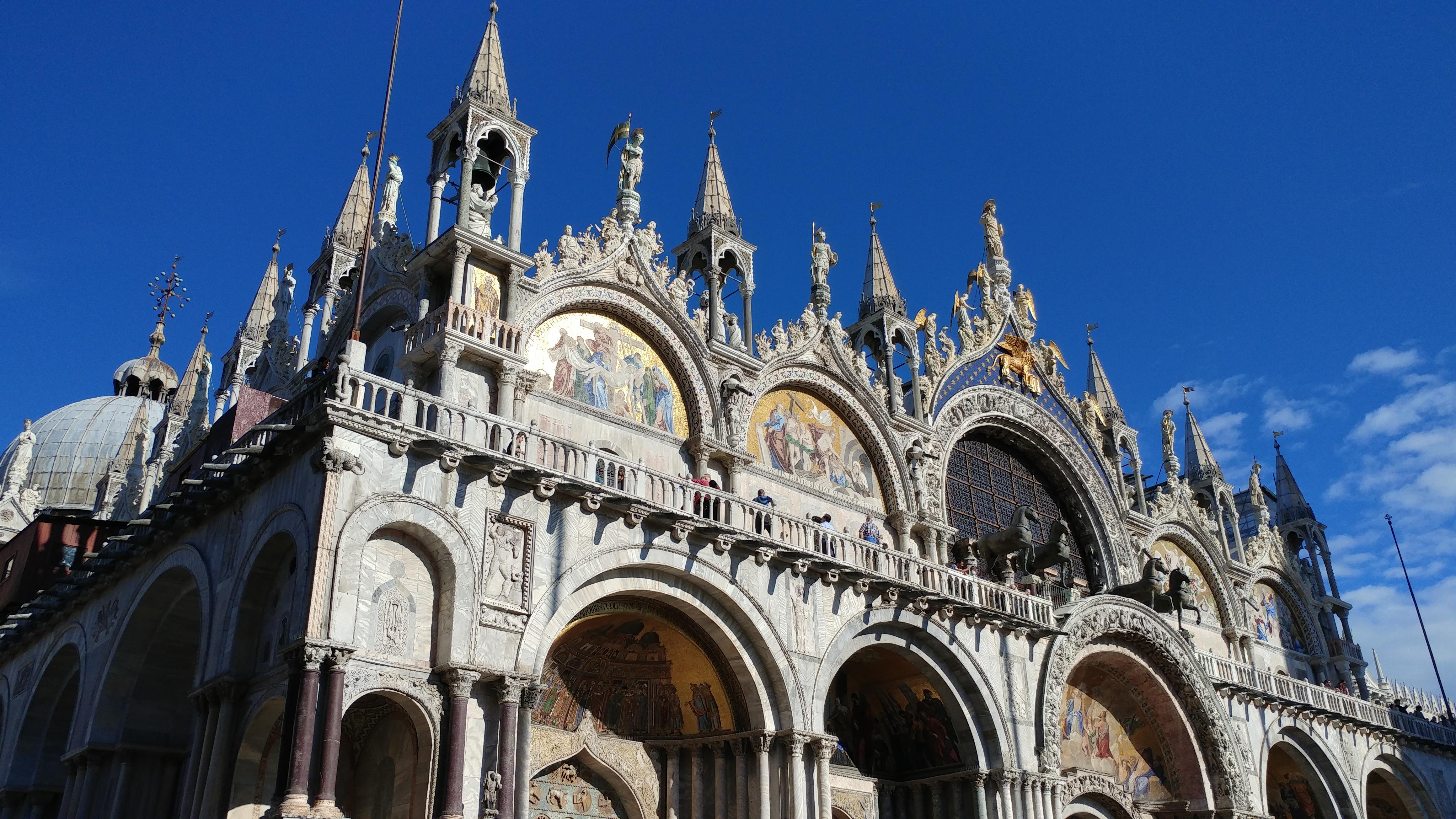 Basilique Saint-Marc Venise Europe Italie voyage destination paysage gondole bateau canaux