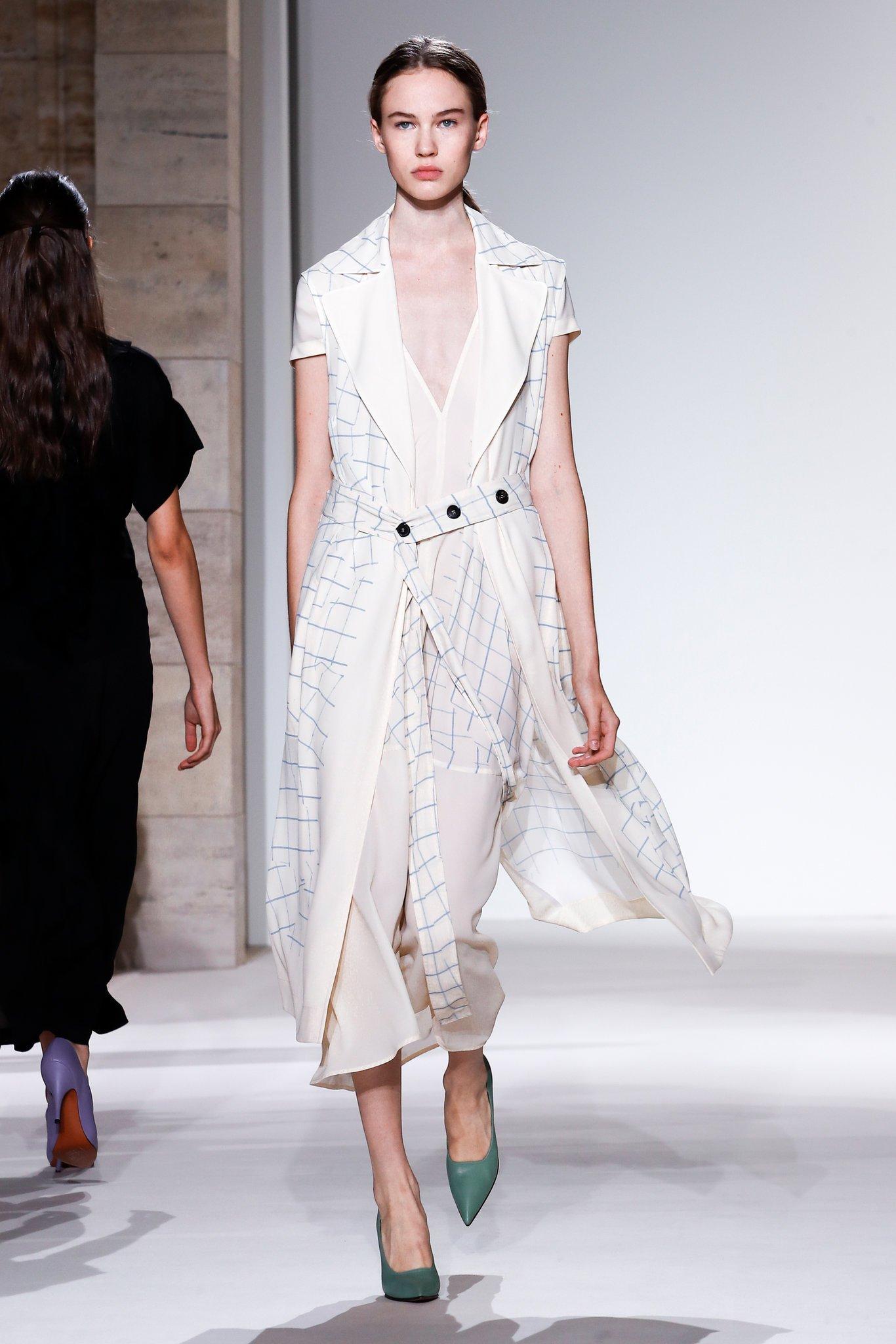 blanc vêtement fashion show mode printemps