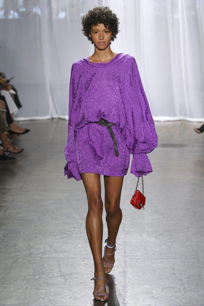 mauve mode vêtement fashion show printemps violet