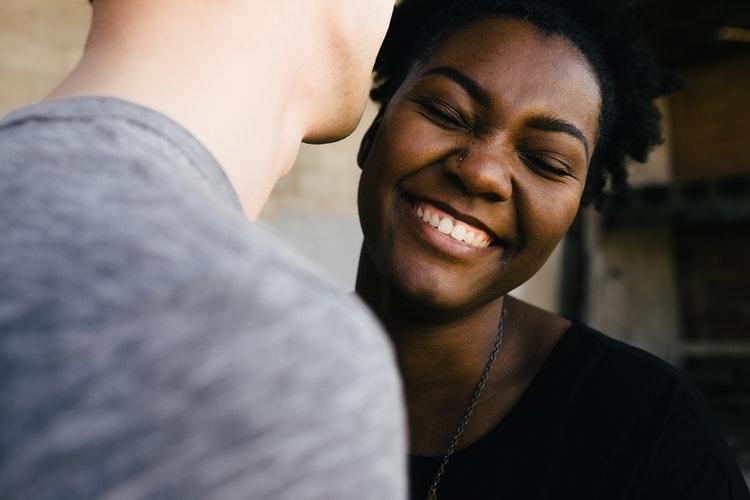 emploi job sourire rencontre service clientèle