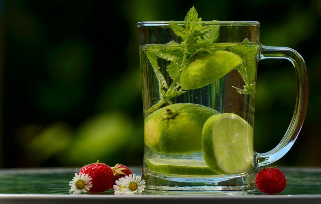 Eau, verre d'eau