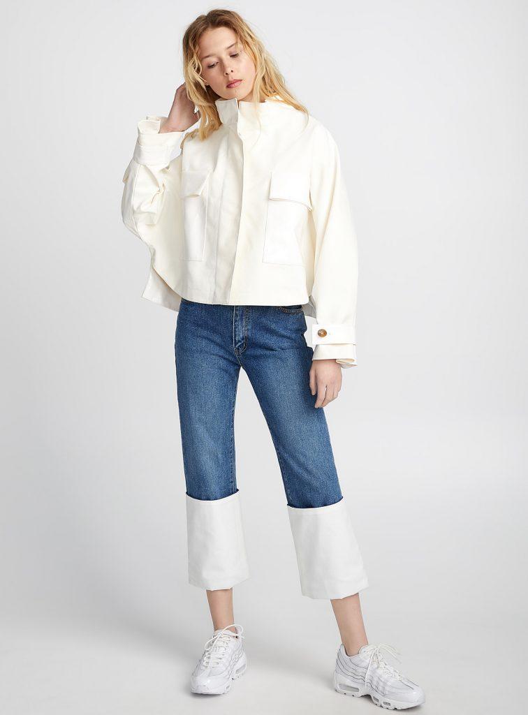 blouse blanche et jeans