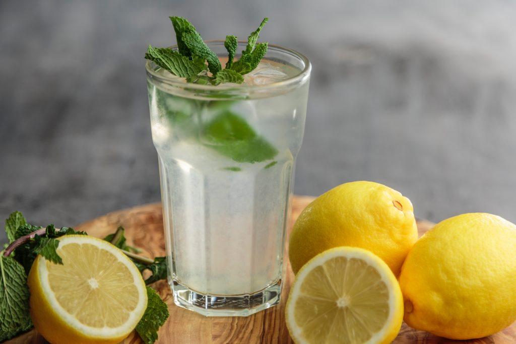hydratation, eau aromatisée, chaleur, canicules, conseils, été