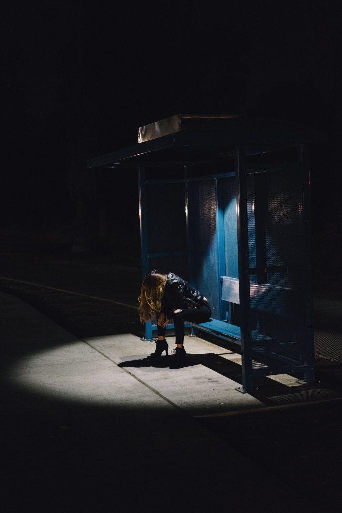 être seule