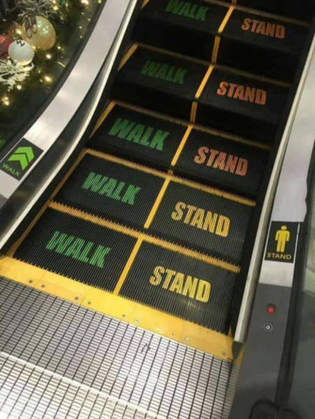 escaliers mécaniques avec indications