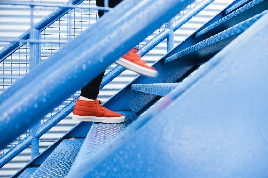 escaliers bleus