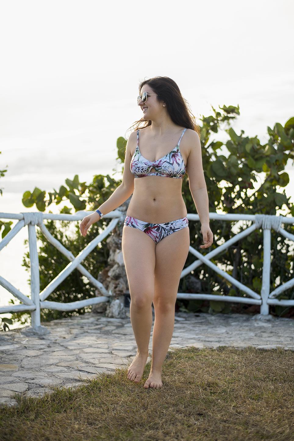 marie-chloé falardeau bikini bleu cuba