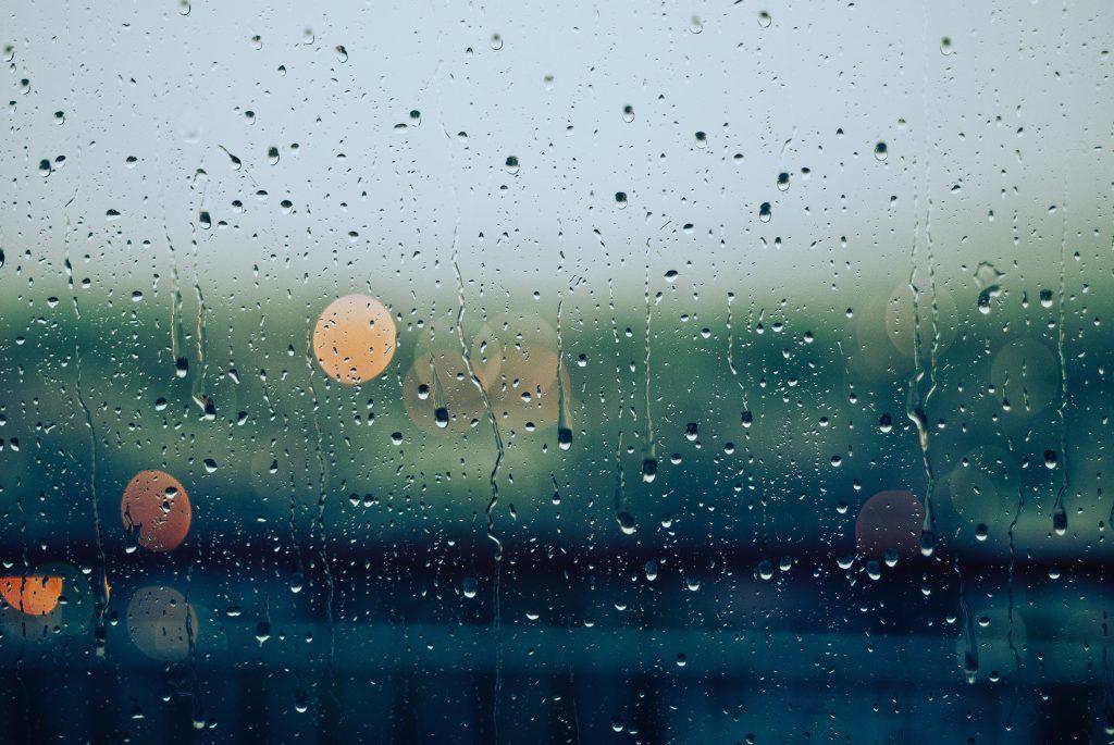 pluie vitre