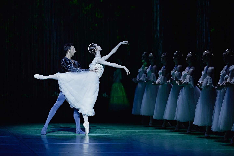 giselle ballet pas de deux arabesque grands ballets