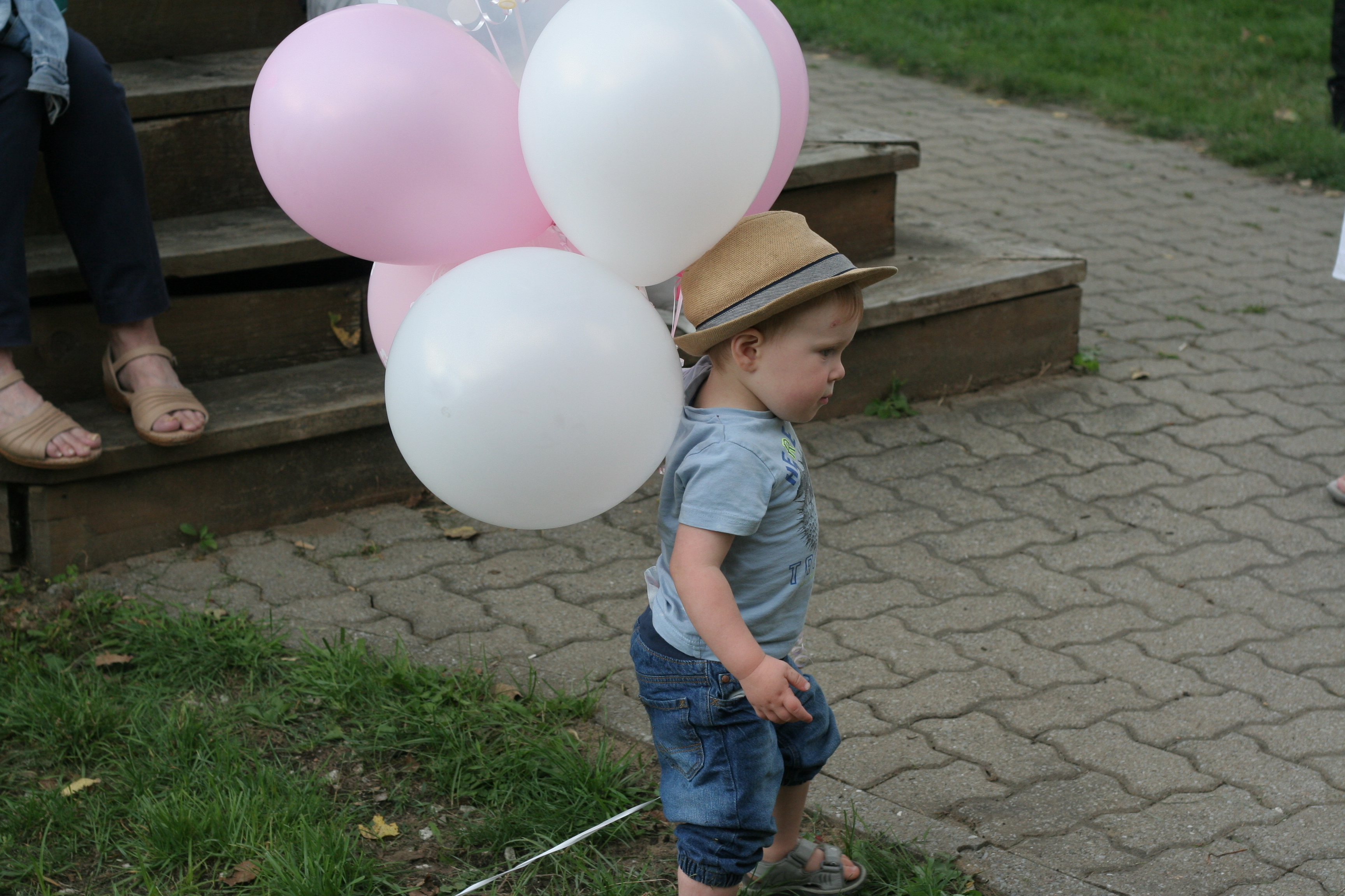mp carle shower bébé ballons rose