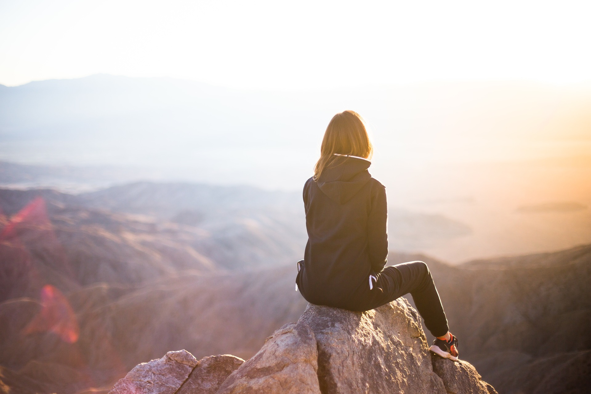 femme montagne aventure