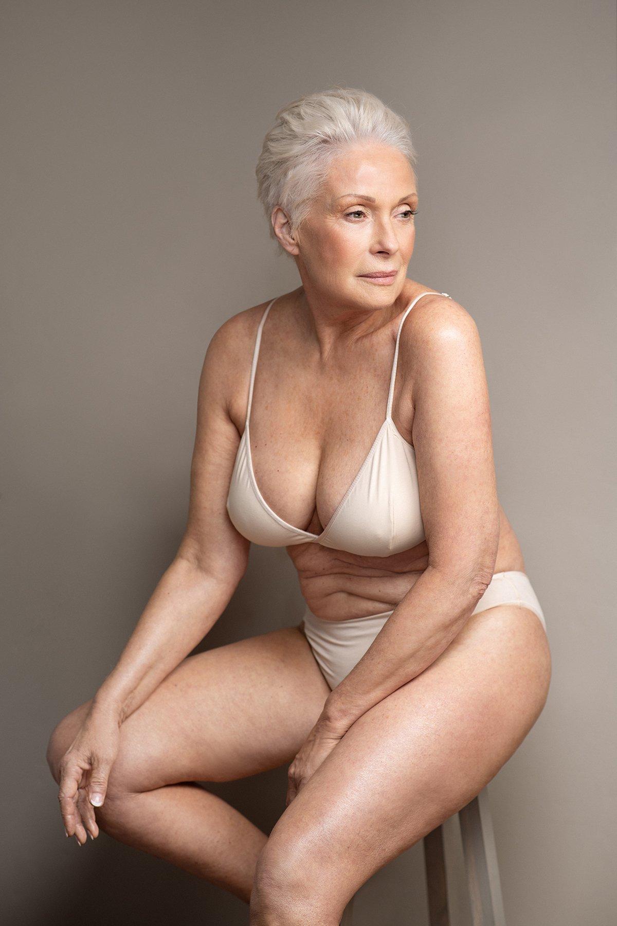 sokoloff lingerie basics top blanc femme âgée