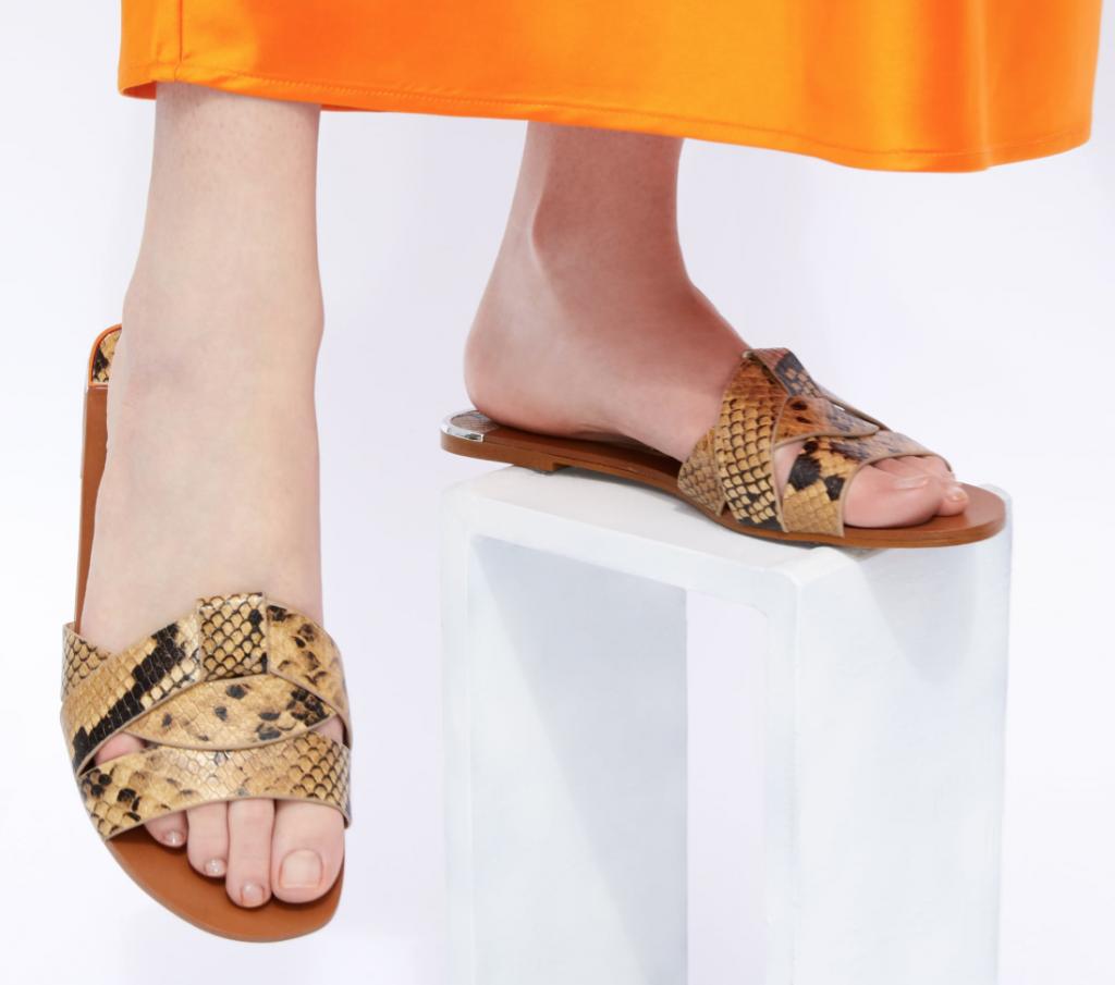 sandales peau de serpet