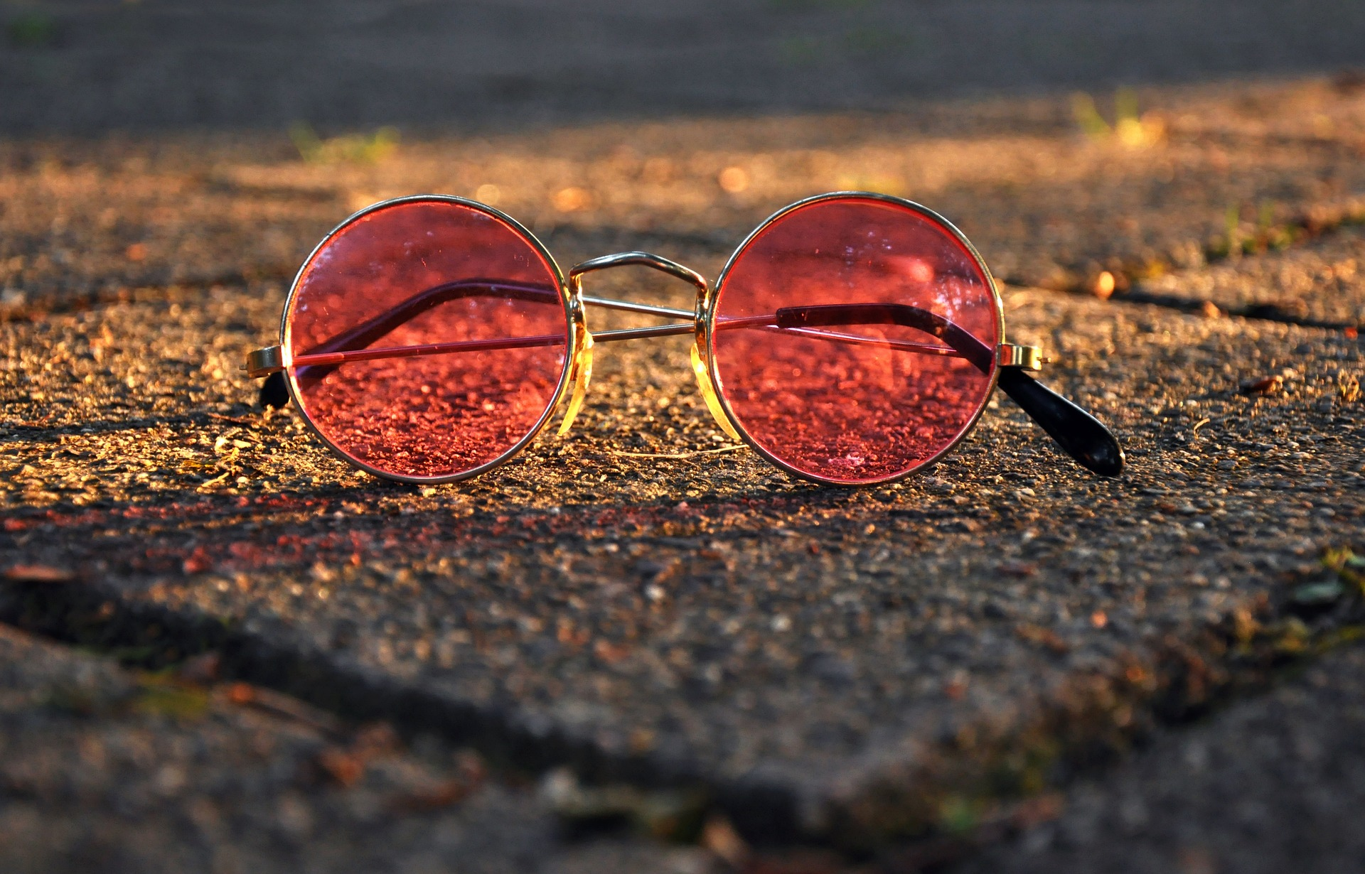 lunettes roses