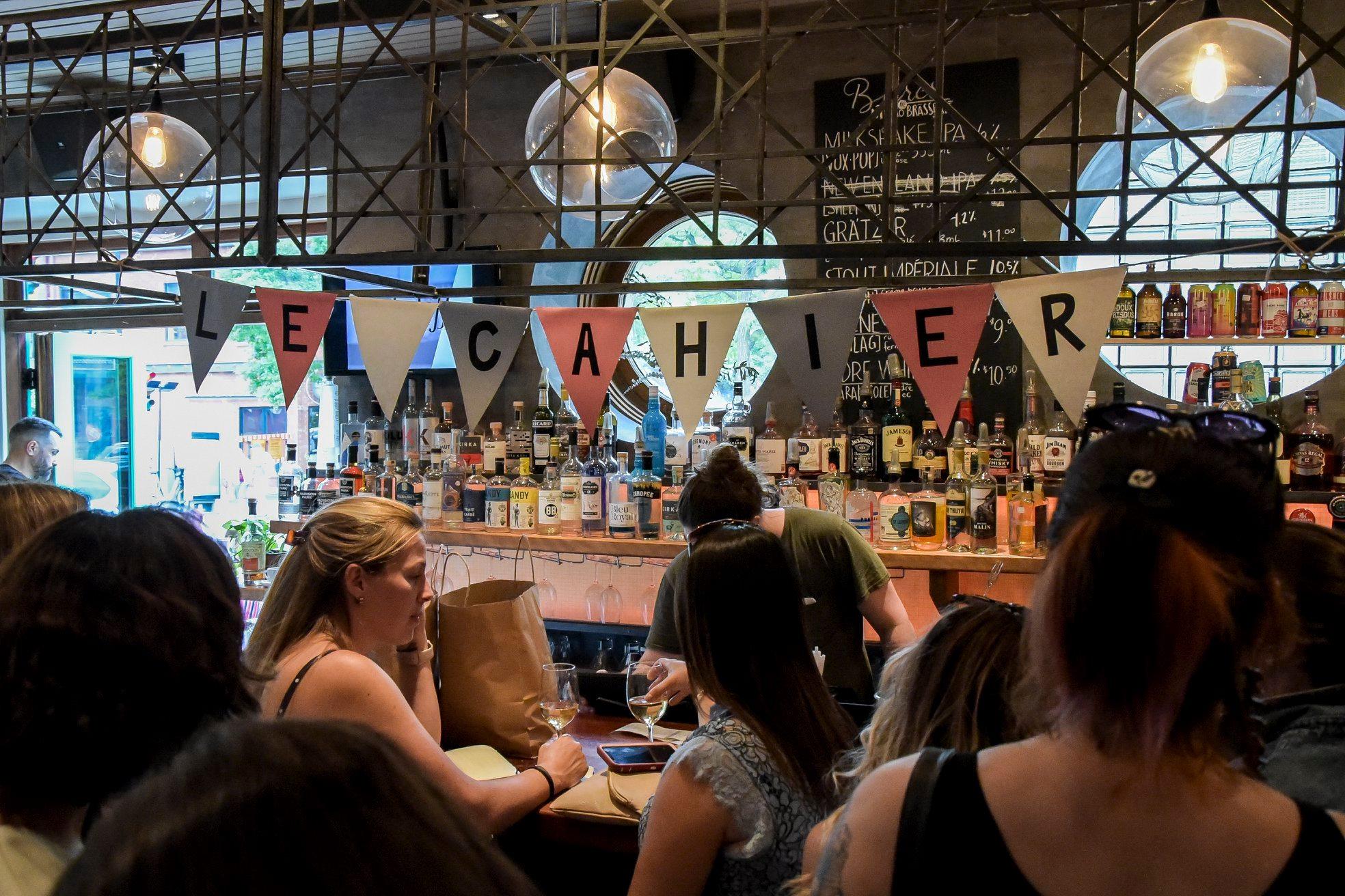party 6 ans le cahier mtl bar decoration