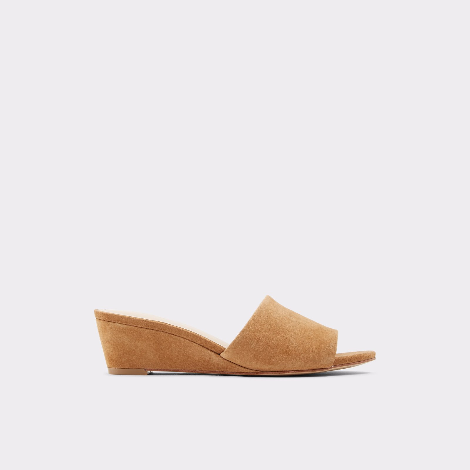 Sandale à talon compensé beige
